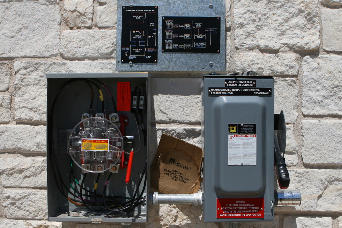 Austin Energy PV Meter Can and Disconnect Switch_09